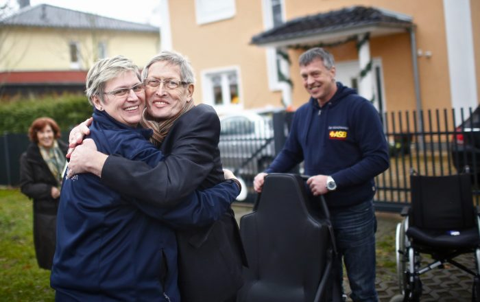 Mit dem Brandenburger Wünschewagen ein letztes Mal auf Reisen gehen