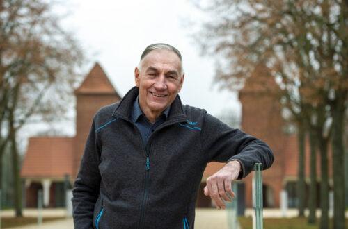 Der frühere Trainer des 1. FFC Turbine Potsdam, Bernd Schröder